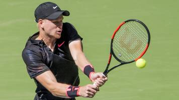chengdu open: kyle edmund beats bernard tomic in first round