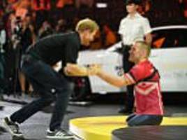prince harry hails mark ormrod at the invictus games