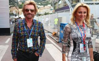 noel edmonds claims publication of leaked fca report would sink rbs