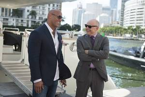 'ballers' star rob corddry on why show shouldn't tackle anthem debate: it's 'all nonsense'