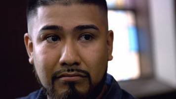 this immigrant is fighting chicago police over alleged gang list error