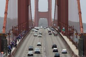 golden gate bridge turns 80, lures foreign and local tourists