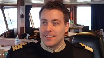 award for scottish ship's captain who rescued 907 migrants