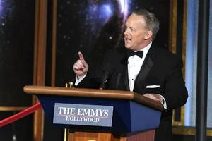 billy eichner names the only actor who spoke to sean spicer in emmys green room (video)