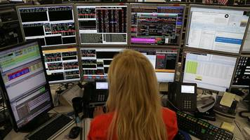 ftse 100 rises with merlin shares up amid seaworld deal talk