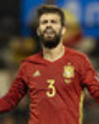 barcelona star gerard pique booed by spain fans after catalonia referendum comments