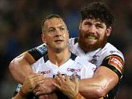 castleford 6-24 leeds: danny mcguire steals the show
