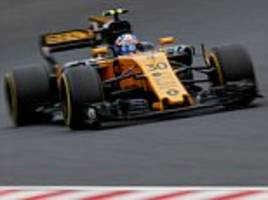 jolyon palmer out of f1 as renault bring in carlos sainz