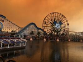 california's wildfires gave disneyland an eerie glow — and reportedly it looked like the sun 'was on fire'