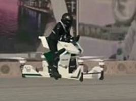 Dubai officer ready to police the streets on a hoverbike