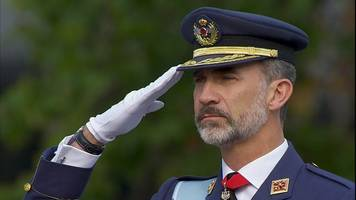 spain royals mark national day amid tension
