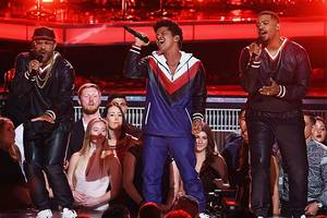 Bruno Mars Leads American Music Awards With 8 Nominations