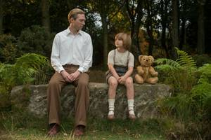 'Goodbye Christopher Robin' Review: True Pooh Story More Than a Run-of-the-Milne Biopic
