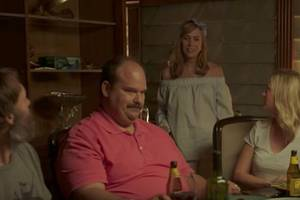 'last man on earth': kristen wiig wants to massage everyone, everywhere (exclusive video)