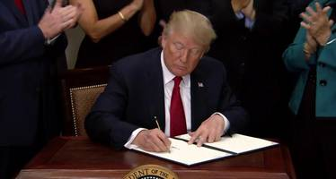 Trump Signs Executive Order To Begin Unwinding Obamacare