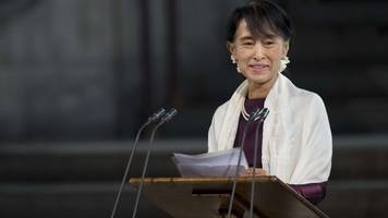 aung san suu kyi 'could lose' freedom of the city of london