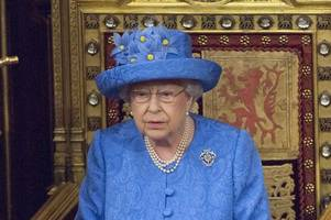 this is why the queen will not lay a wreath on remembrance sunday