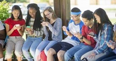 US Teens Crazy About the iPhone: 78% of Them Have One