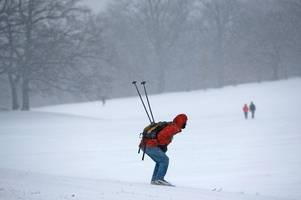 The cost of skiing holidays for UK tourists this winter is plummeting