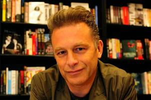 tv naturalist chris packham unearths mysteries of university of lincoln campus with school kids