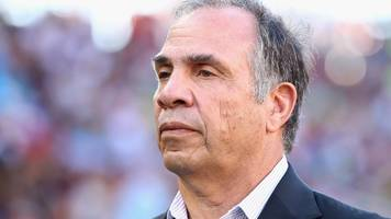 Bruce Arena: United States coach leaves after World Cup failure