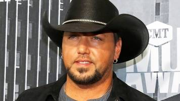 Jason Aldean plays first gig since Las Vegas shooting