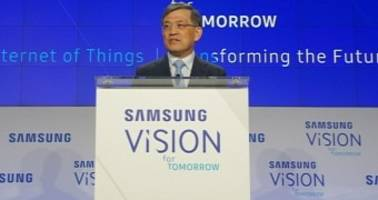 Samsung's CEO Resigns Citing Unprecedented Crisis