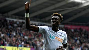 Abraham double takes Swansea out of bottom three