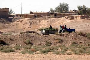 Iraq troops in armed standoff with Kurdish forces