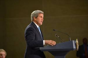 Kerry condemns Trump's 'dangerous' Iran deal decision