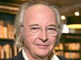 philip pullman can't stand winnie the pooh author aa milne