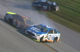Ryan Blaney and Kevin Harvick taken out in late wreck | 2017 TALLADEGA