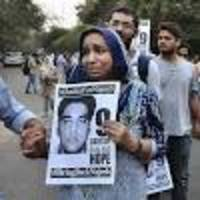 jnu missing student najeeb ahmed's mother detained during protest outside delhi high court
