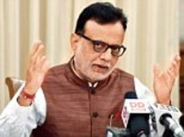 hasmukh adhia says 28% gst slab could be reduced