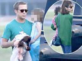 ryan gosling and eva mendes steps out in la with daughters