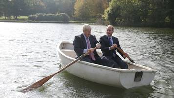 boris johnson takes czech minister for a paddle
