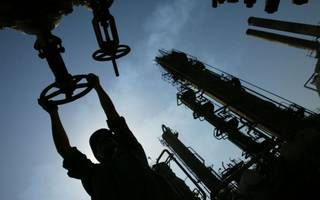 Oil prices climb on conflict in Iraq