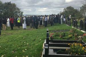 700 people attend funeral for mother and daughter who died after flat fire