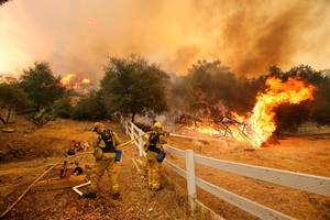 California wildfire death toll rises to 41, firefighters gain ground