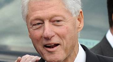 watch: bill clinton arrives in northern ireland to try to crack political deadlock