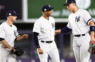 yankees outfielder aaron hicks shows you how he gets ready for the alcs.