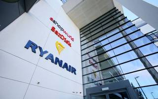 ryanair airlifts in new coo to tackle pilots crisis
