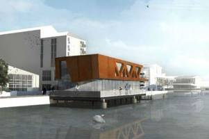 Could the city council still block plans for a 'floating' restaurant on the Brayford in Lincoln?