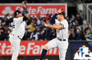 Yankees come back from 4-0 deficit, tie series
