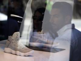 Goldman Sachs just signaled a terrifying turning point for Nike (NKE)