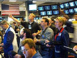 Here's a super-quick guide to what traders are talking about right now (AAPL)