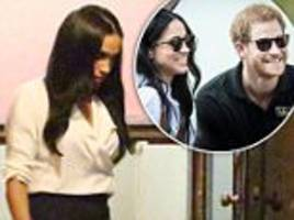 meghan markle shoots scenes for suits in toronto