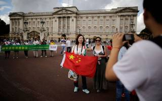 Chinese tourists give UK high streets a boost over Golden Week holiday