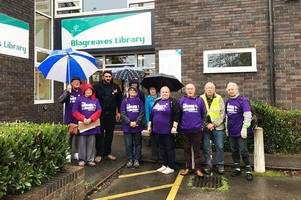 protestors brave bad weather to support derby libraries