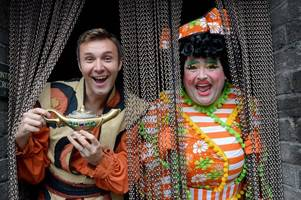 'ay up me ducks - we've got 3d!' - stars of aladdin promise audience an exciting time at this year's pantomime